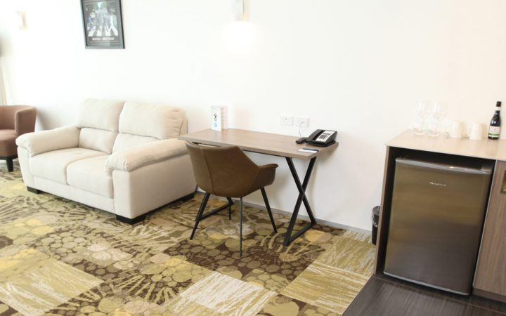 Superior One Bedroom Apartment with King Bed